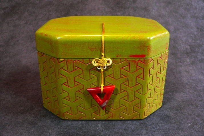 Green/red Chinese brocade box. Dimensions 5'' x 4'' x 4.5''